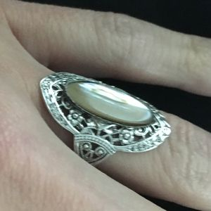 Shell ring stamped size 7 Vintage